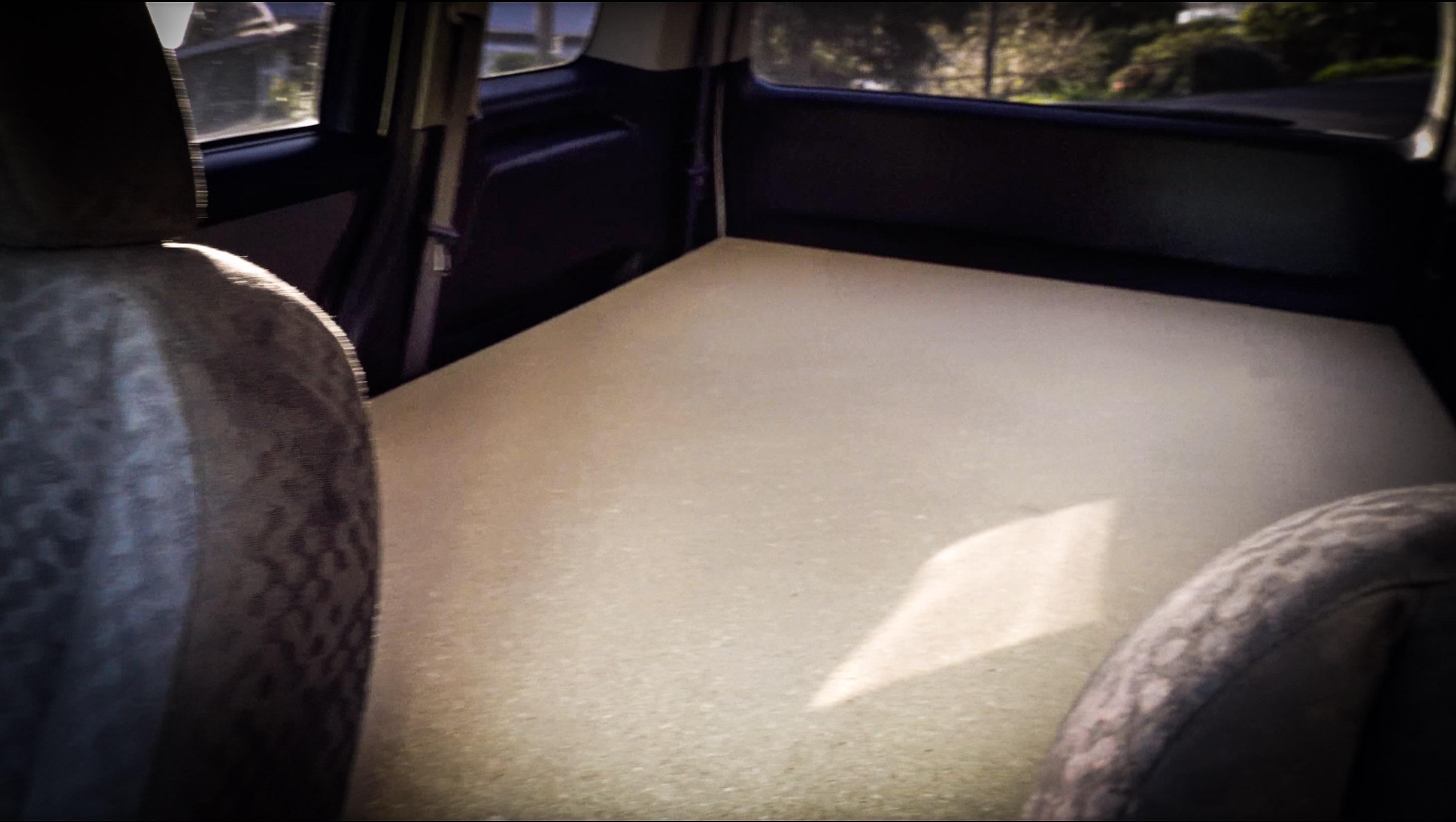 unser campervan und das erste mal linksverkehr the worldiary. Black Bedroom Furniture Sets. Home Design Ideas